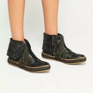 Free people vega mocc boots